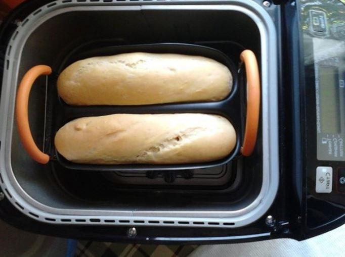 Пример багетницы в хлебопечке
